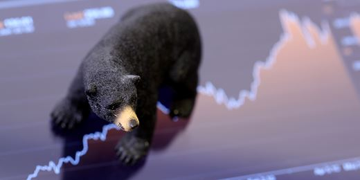 Fund managers bearish on growth but cling onto shares