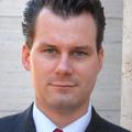 Henrik Muhle - Uwe Rathausky erhöht Anleihe-Quote nach historischem Tief in Milliardenfonds