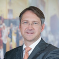 Bert Flossbach - Flossbach von Storch erhöht Aktienquote auf über 70%